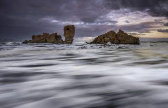 Island Rocks Stream 1920 x 1200 340x220