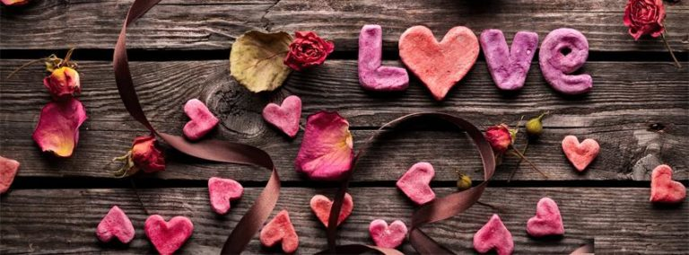 Love on Wooden FB Cover Photo 851 x 315 768x284