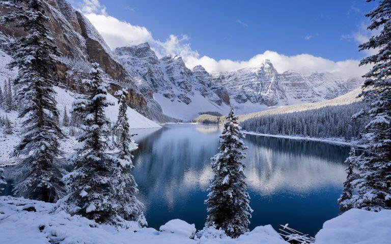 Moraine Lake In Winter Canada 1920 x 1200 768x480