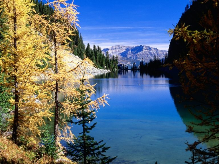 Mountains Sky River 1600 x 1200 768x576