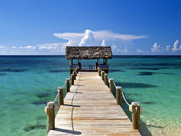 New Providence Island Bahamas 1600 x 1200 768x576