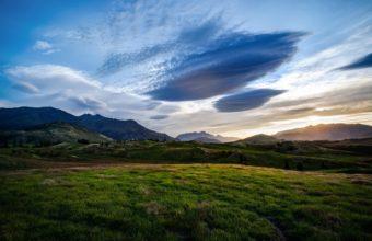 New Zealand Queenstown Valley 2560 x 1600 340x220