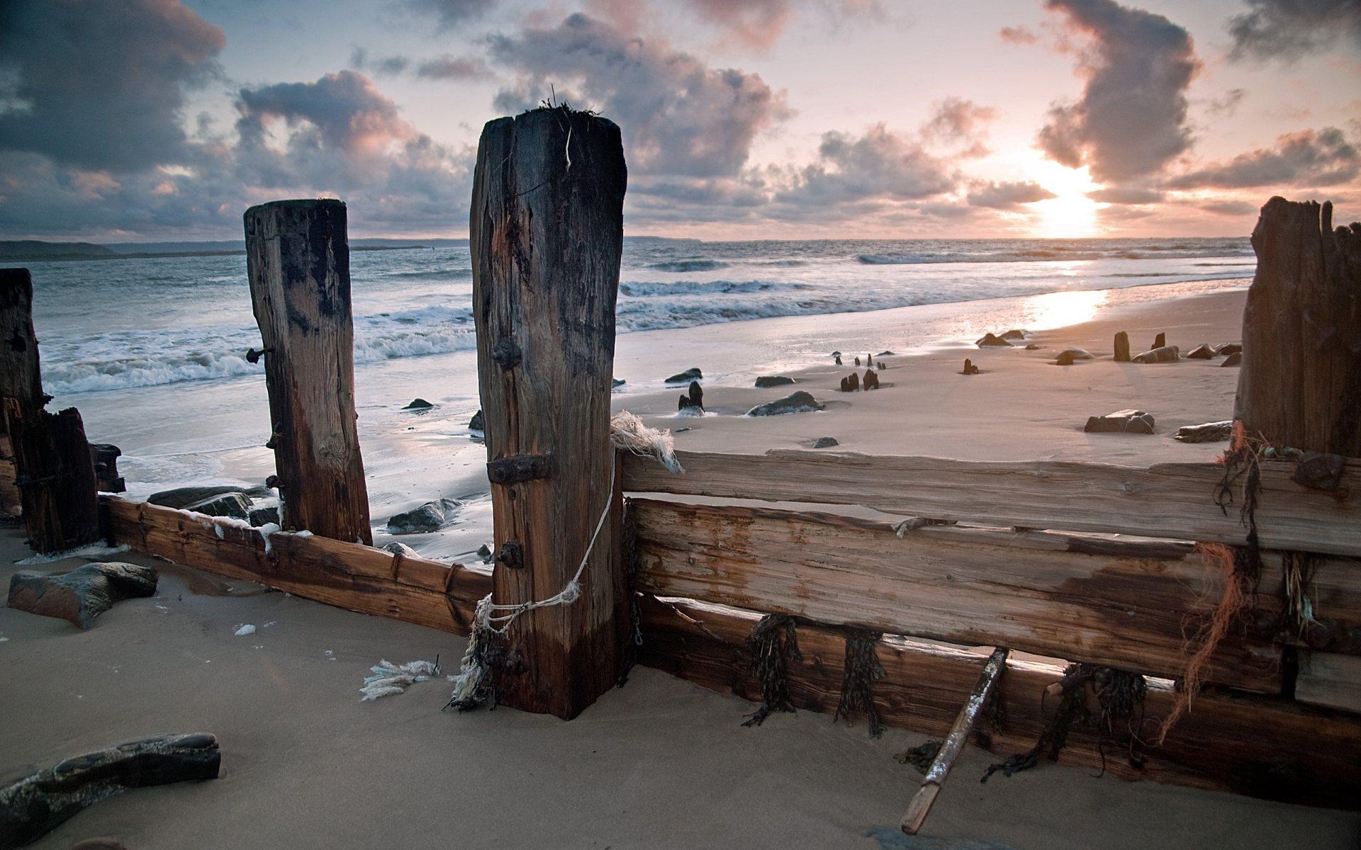 Ocean Waves Wood Sunset Sunrise - [1920 x 1200]