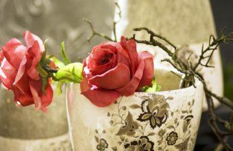 Roses Vase Petals 1920 x 1080 340x220