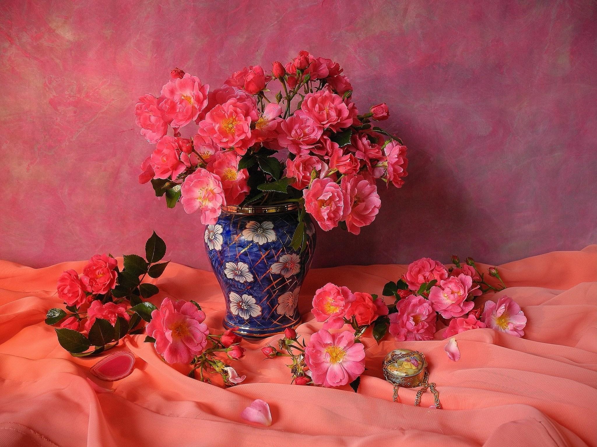 Roses Vase Pink Color Flowers Bouquet - [2048 x 1536]