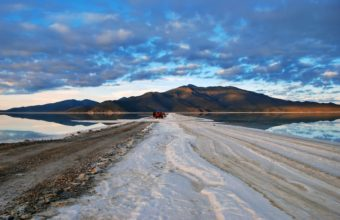 Salt Desert Bolivia 2560 x 1600 340x220