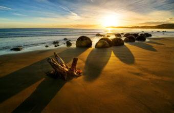 Sand Shore Coast Ocean Sea Waves 2600 x 1760 340x220