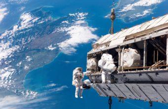 Space Astronauts Earth 3032 x 2000 340x220