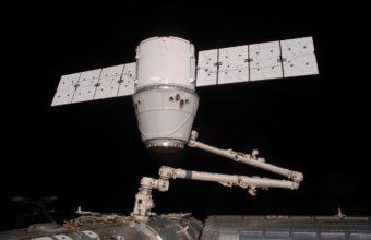 Spaceship Dragon Iss Space 1361 X 900 340x220