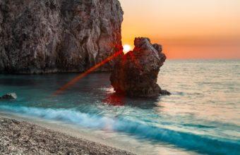 Sun Beams Rocks 2560 x 1600 340x220