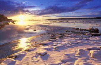 Sun River Dawn 1600 x 1200 340x220