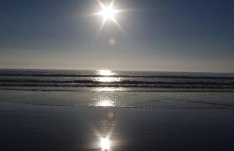 Sun Sea Waves 2560 x 1440 340x220
