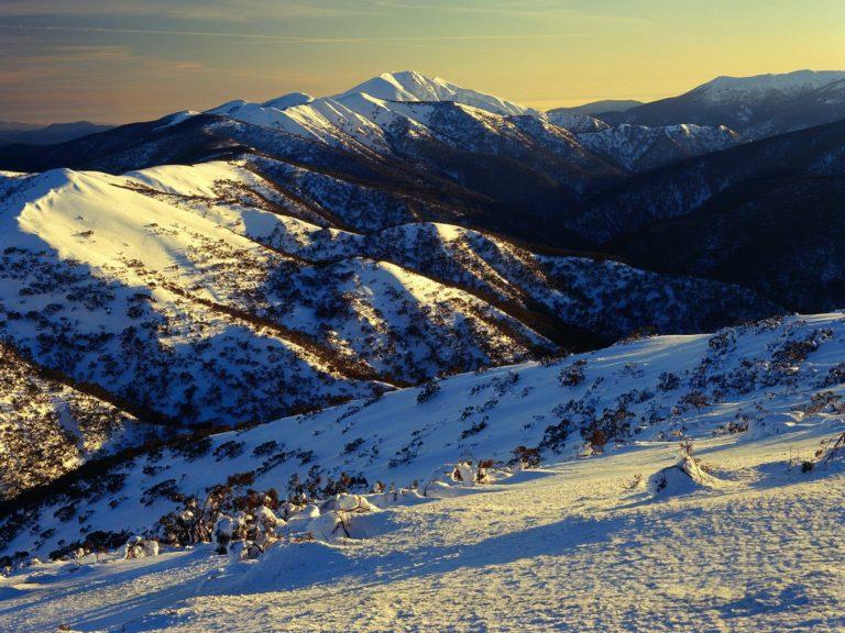 Sunrise On Mount Featherto Australia 1600 x 1200 768x576