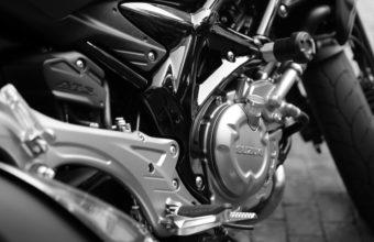 Suzuki Bike Wallpapers 08 3840 x 2160 340x220
