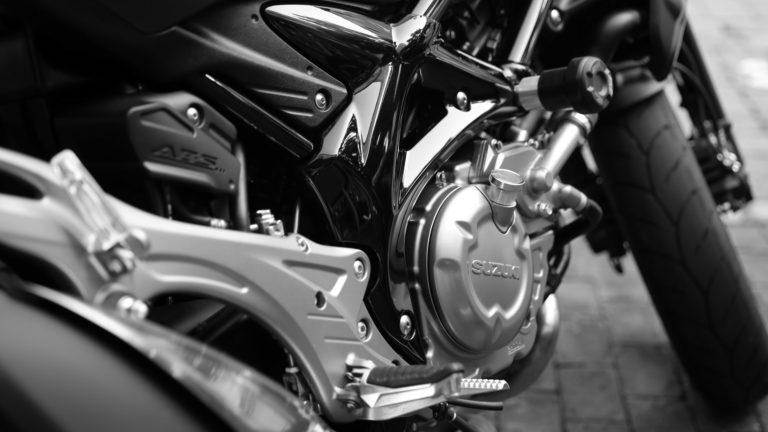 Suzuki Bike Wallpapers 08 3840 x 2160 768x432