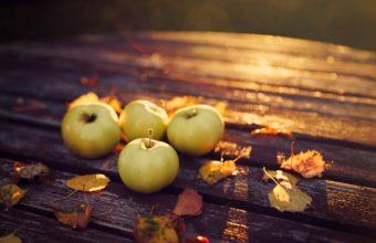 Table Apples Autumn Harvest Leaves 2000 X 1333 340x220