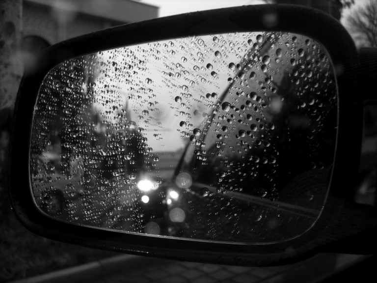 Water Drops On The Side Mirror 1920 x 1440 768x576