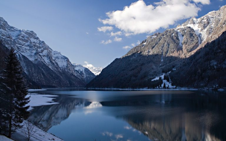 Winter Cold Mountain 1680 x 1050 768x480