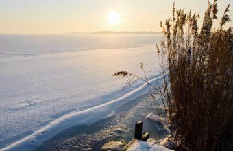 Winter Lake Snow 1920 x 1200 1 340x220