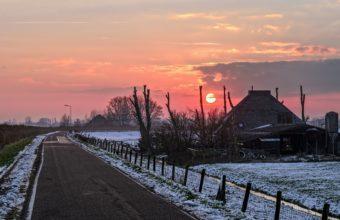 Winter Road Sky 2560 x 1600 1 340x220