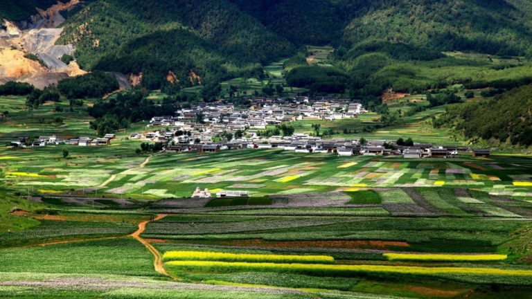 Wonderful Village Surrounded By Fields In China 1920 x 1080 768x432