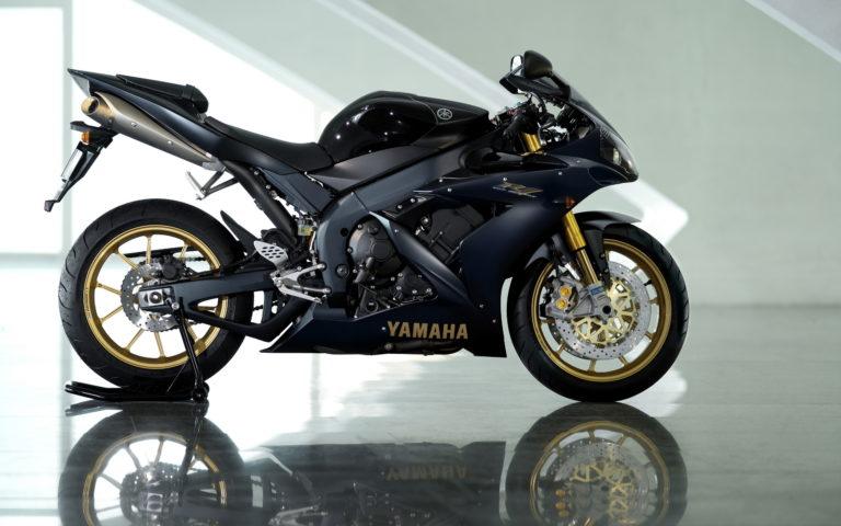 Yamaha Bike Wallpapers 06 2560 x 1600 768x480