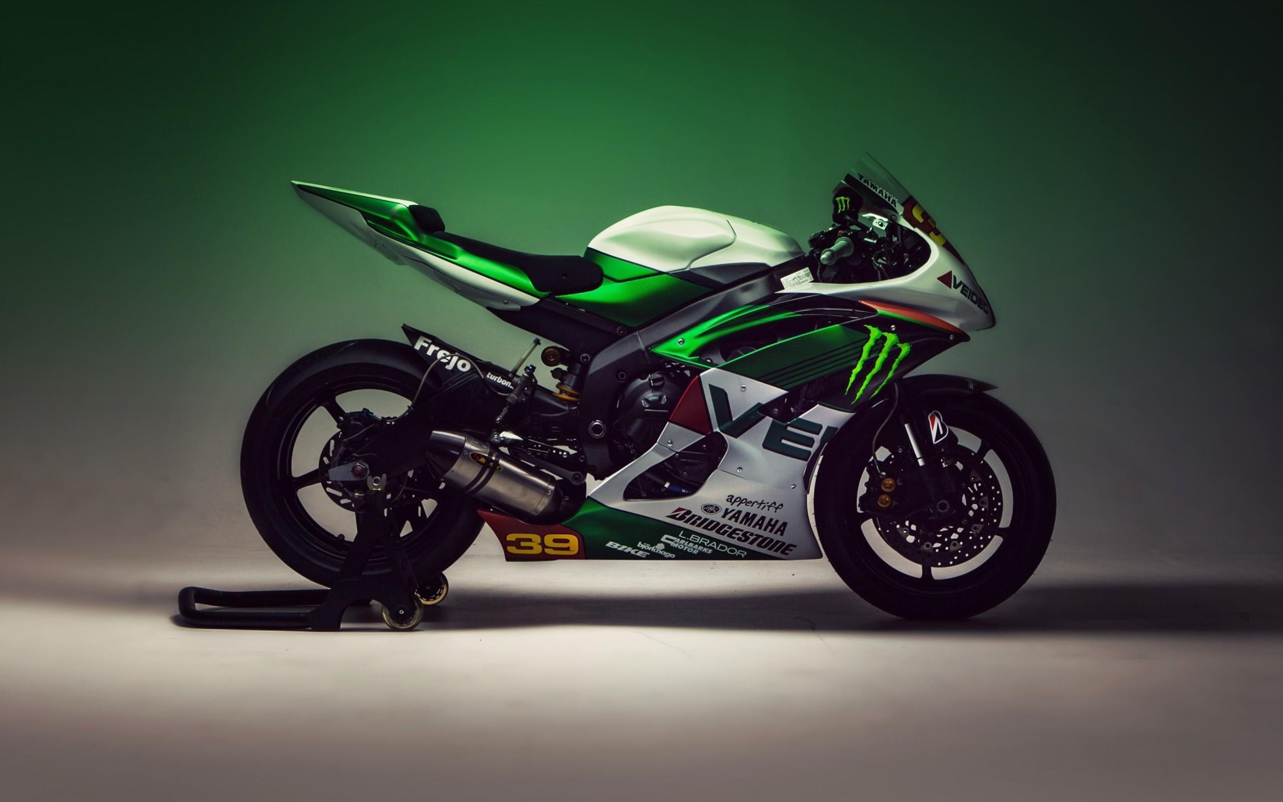 мотоцикл зеленый помещение загрузить