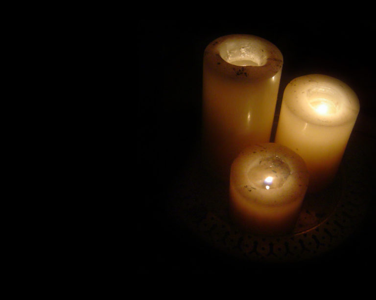 Candle Background 06 1280x1024 768x614
