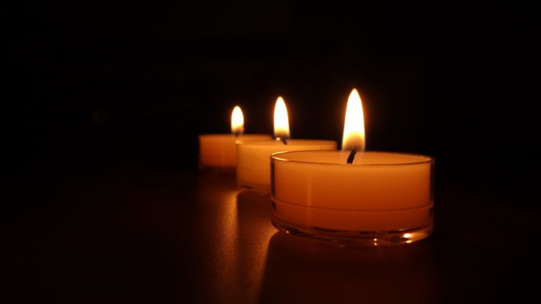 Candle Background 25 3840x2160 768x432