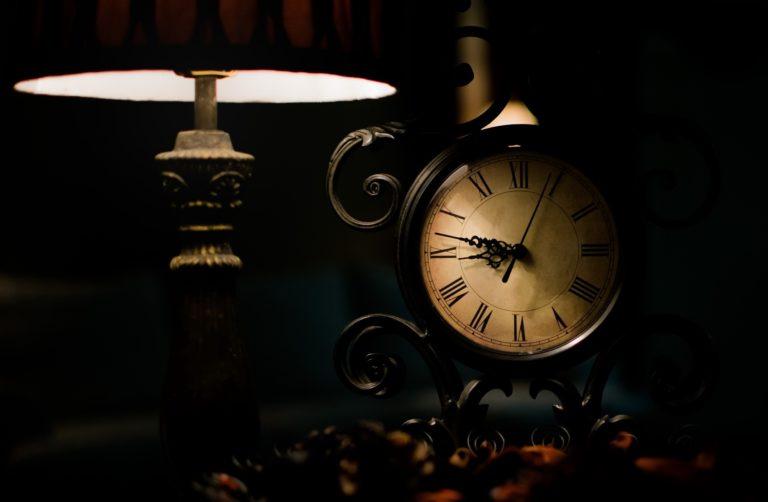 Clock Wallpaper 36 2048x1339 768x502