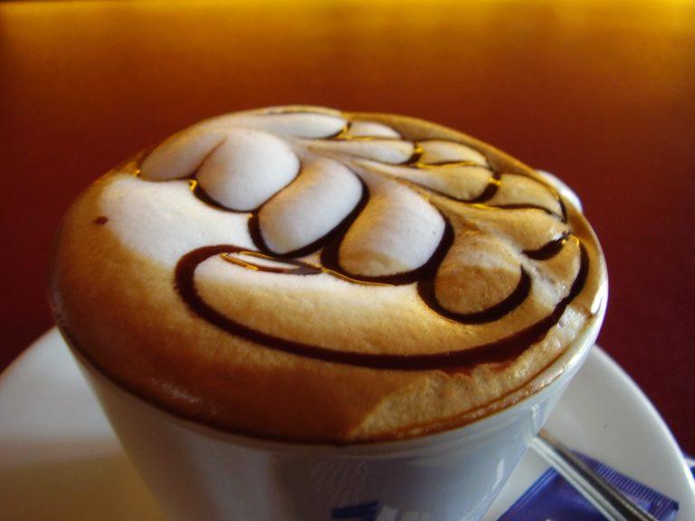 Coffee Background 05 2272x1704 768x576