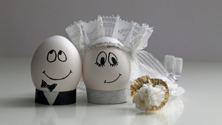 Eggs Wedding 3840x2160 768x432