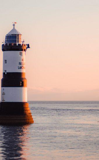 Lighthouse Phone Wallpaper [1080x2340] - 052