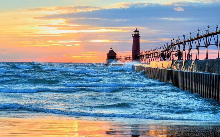 Lighthouse Wallpaper 05 2560x1600 768x480
