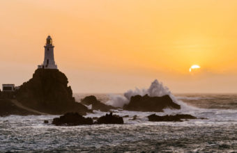 Lighthouse Wallpaper 41 2048x1126 340x220