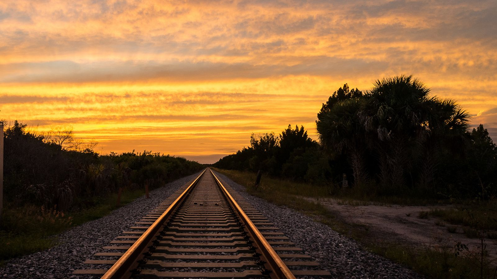 Railroad background 20 1600x900 - Wallpapers 1600x900 ...