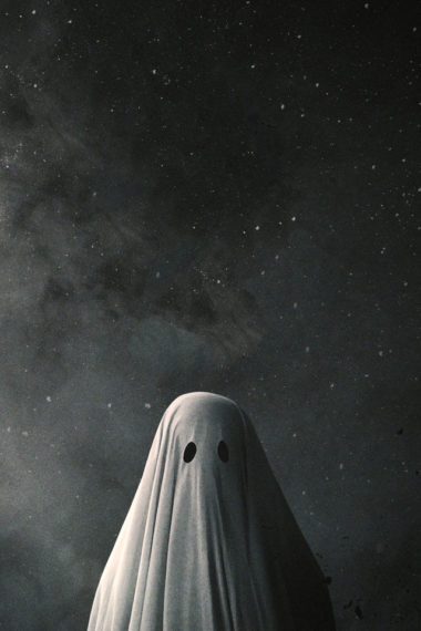 A Ghost Story 8d Wallpaper 640 x 960 380x570