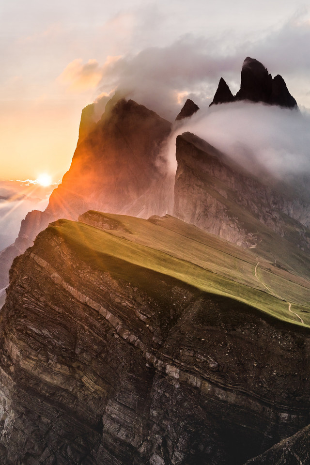 Dolomites Mountain Range Sony Bravia Tv Original Oled Xb Wallpaper 640 x 960