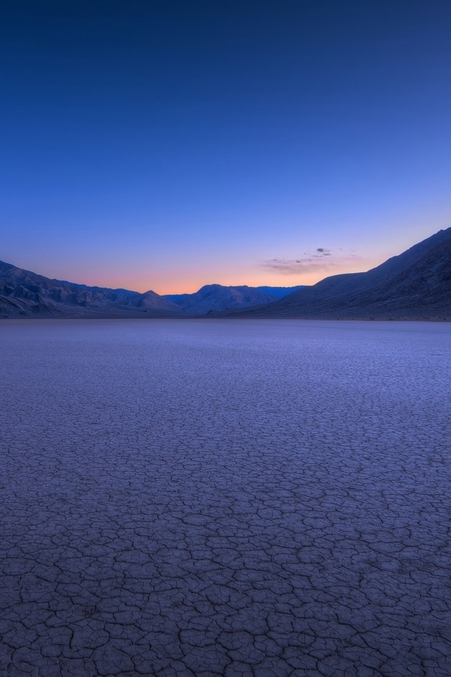 Drought Desert Landscape Cn Wallpaper 640 x 960