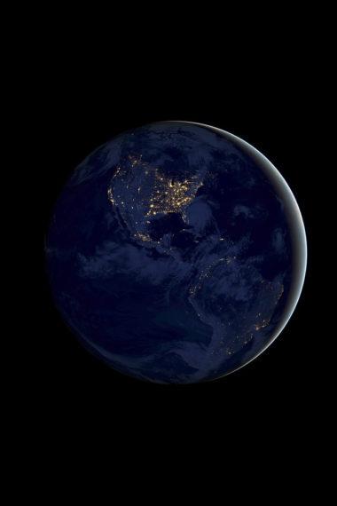 Ios 11 Earth Night Pe Wallpaper 640 x 960 380x570