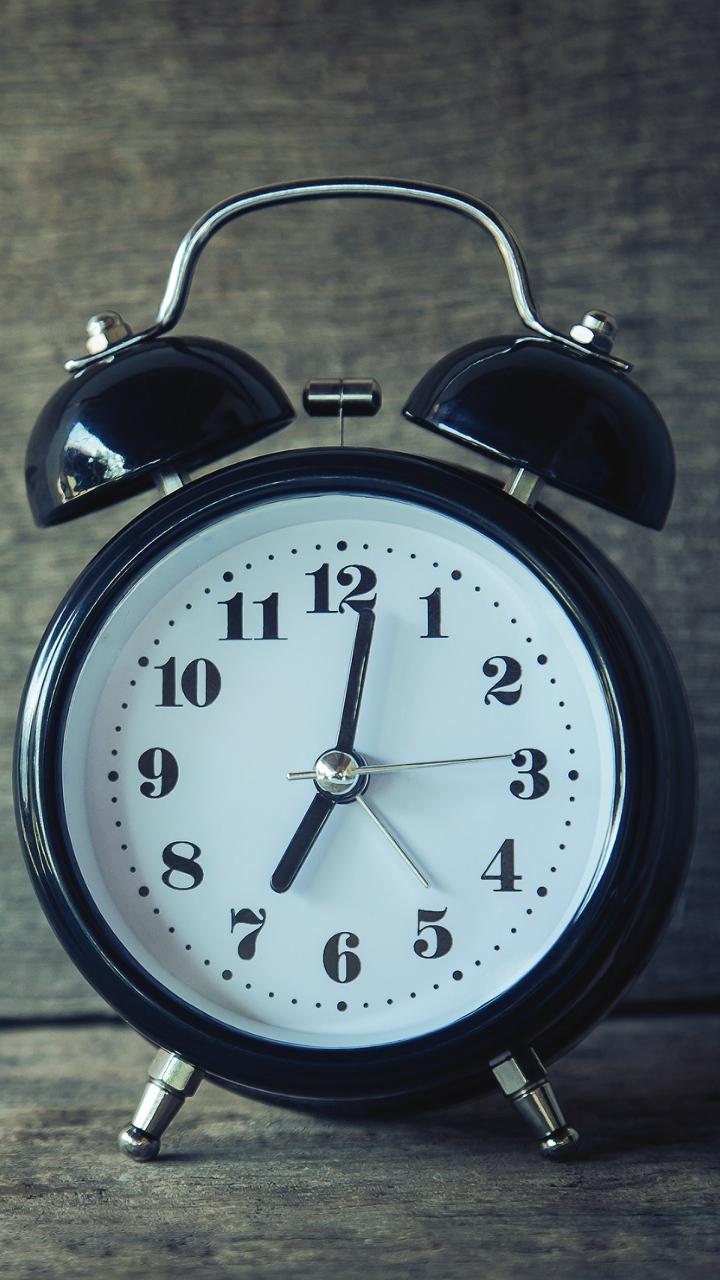 Alarm Clock Clock Dial Wallpaper 720x1280
