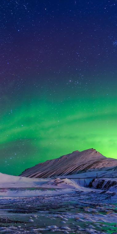 Aurora Borealis Winter Wallpaper 1080x2160 380x760