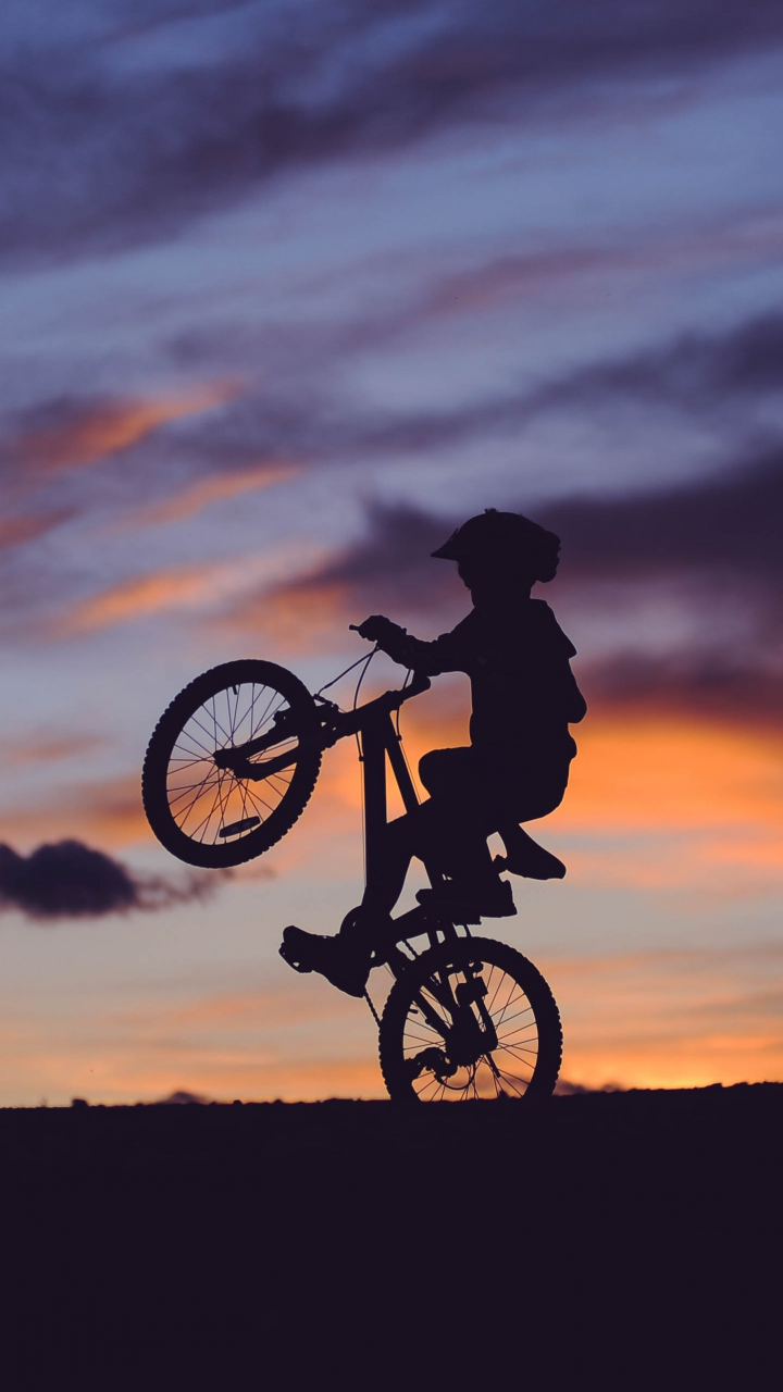 Cyclist Silhouette Sunset Wallpaper 720x1280
