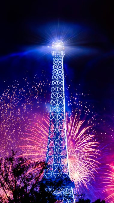 Eiffel Tower Salute Holiday Wallpaper 2160x3840 380x676