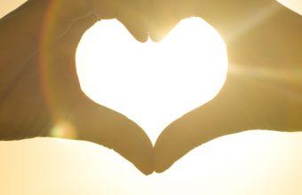 Hands Heart Light Lov Wallpaper 2160x3840 340x220