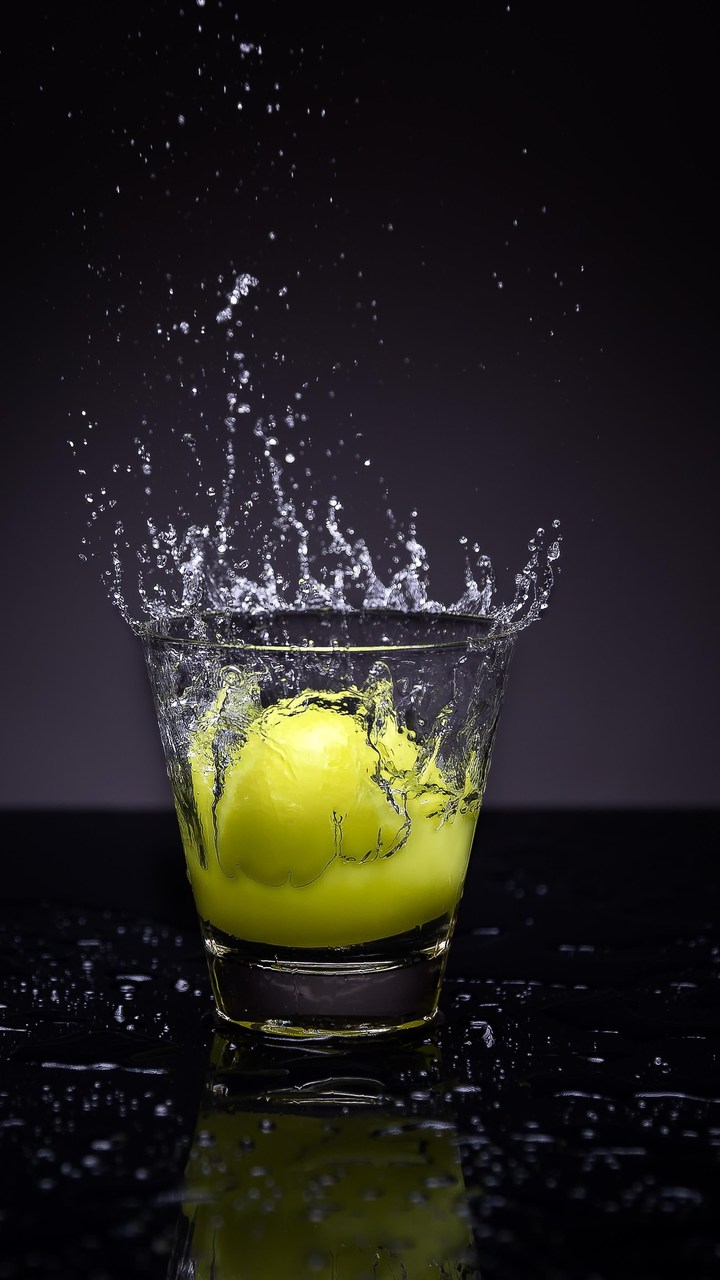 Lemon Splash Photography Wallpaper 720x1280