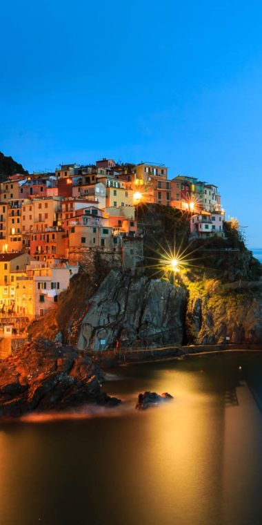 Manarola Night Wallpaper 1080x2160 380x760