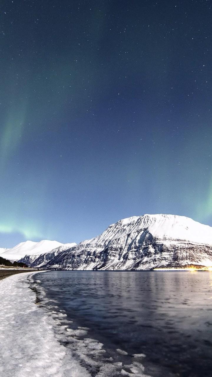 Northern Lights Wallpaper 720x1280