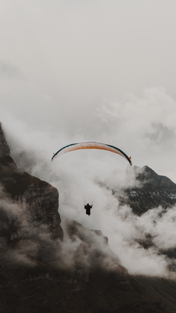 Paraglider Parachute Flying Wallpaper 720x1280