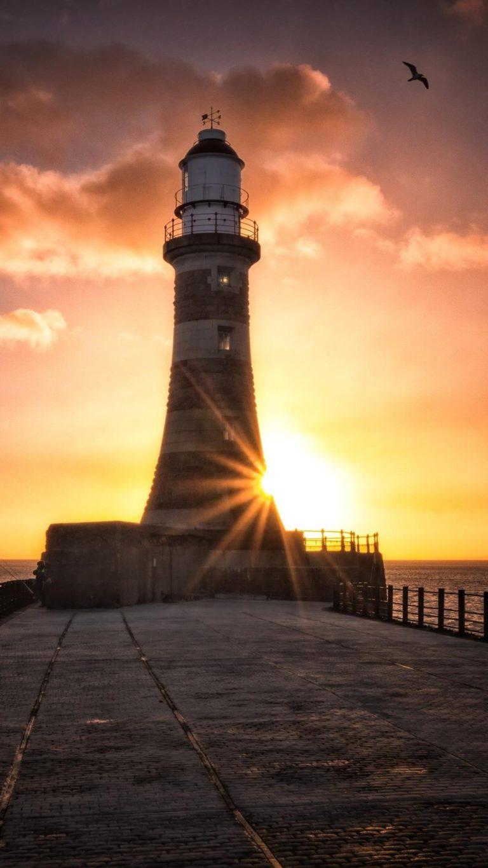 Roker Lighthouse Wallpaper 1080x1920